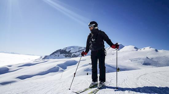 Auli Skiing Packages Booking Open | Auli Skiing Tour Package at Low Price or Cost