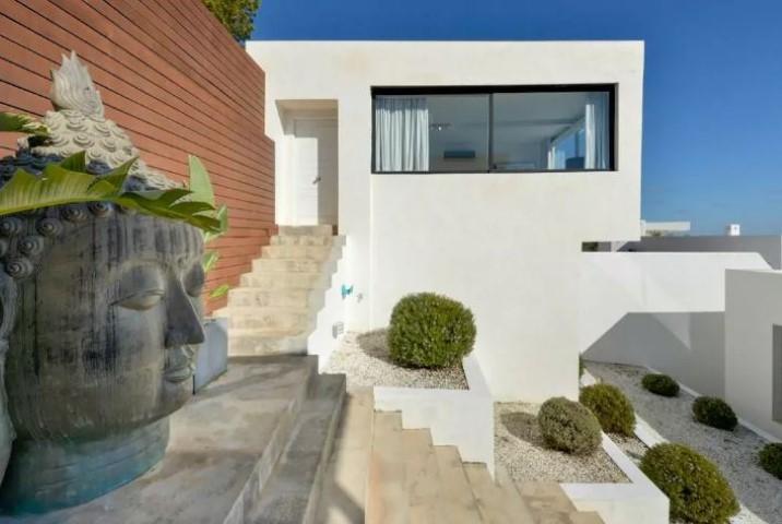 Villa on Rent? Get Luxuries Villa Rental Services in Ibiza! Ibiza VIP Area