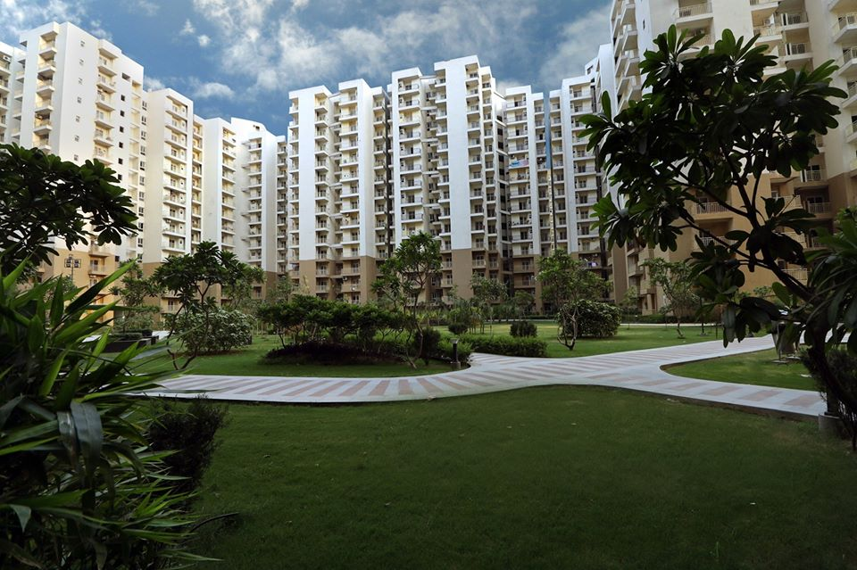 Ready to move 2 BHK Flat in Noida Extension for sale