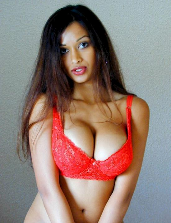 A Delhi Escort Who Maintains Consistency In Her Services
