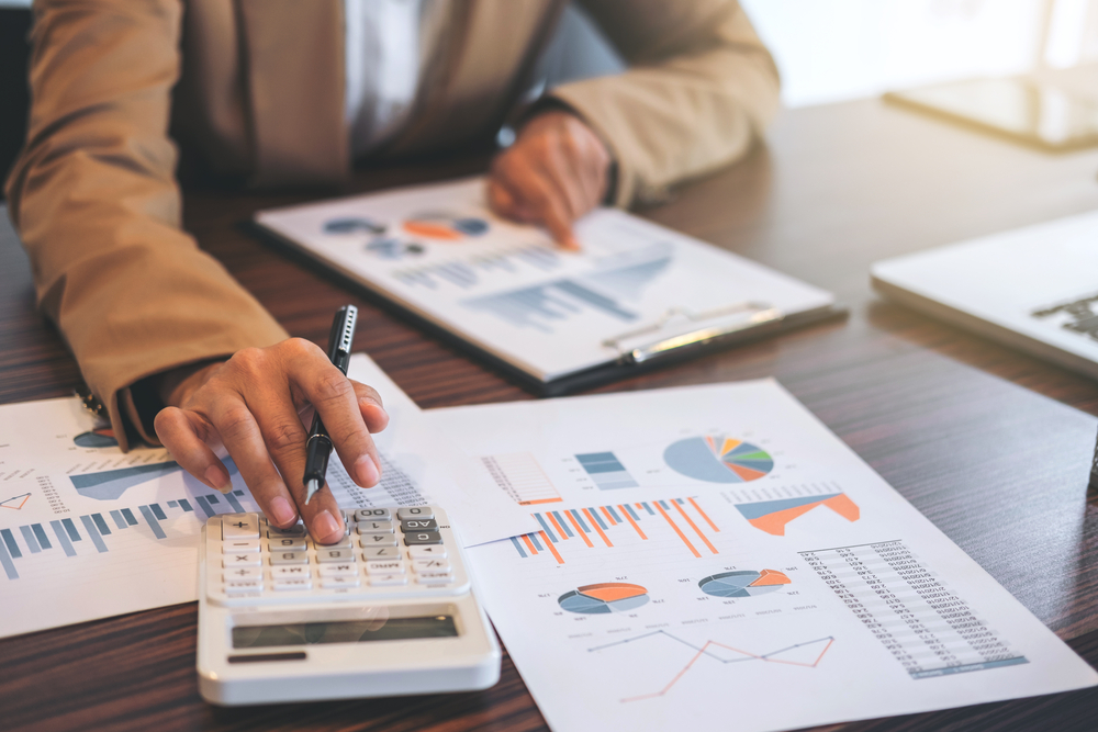Is A Finance Consultant Effective In A Crisis?