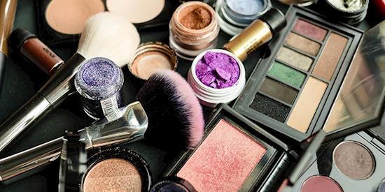 Buy Online Affordable & Best Quality Makeup Kit in UK! makeupsaga.co.uk