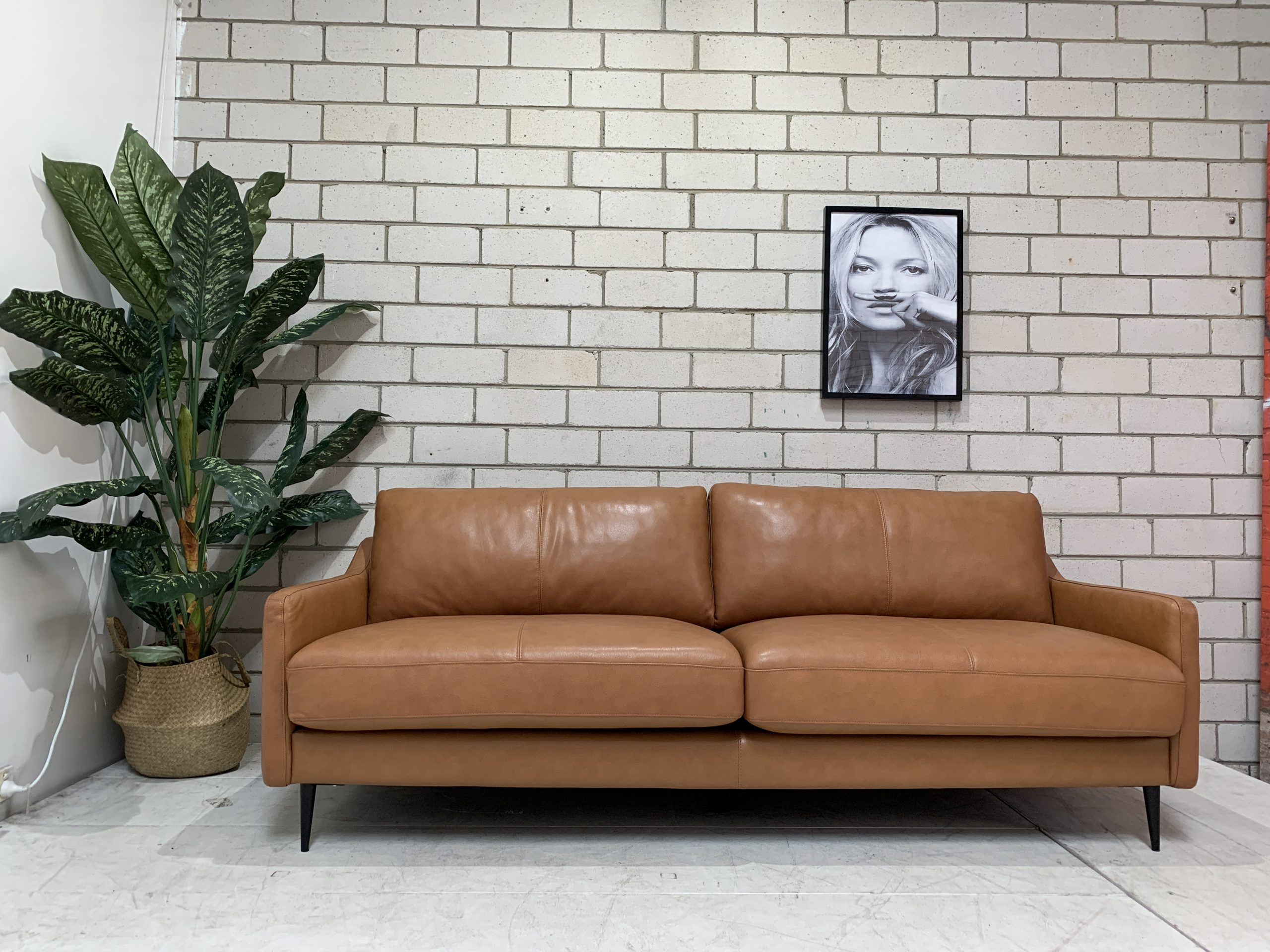 Best Cheap Leather Sofas in Melbourne - Mentone Furniture Clearance Centre