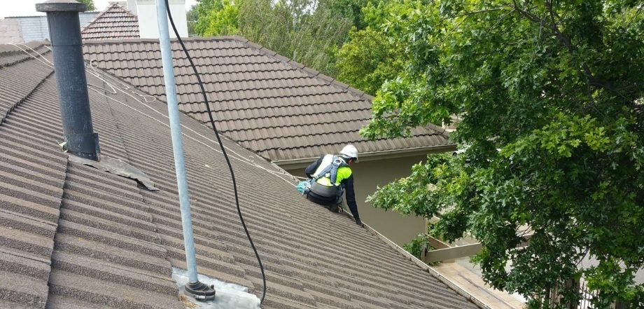 Expert for Gutter Cleaning in Melbourne - Himalayas Services Group
