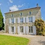 French Luxury Pool Villa Icon