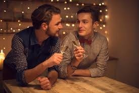 Keep in touch with partner by gay chat At gaydatingsolutions