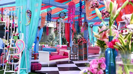 Find trending wedding themes at Dreamzkraft