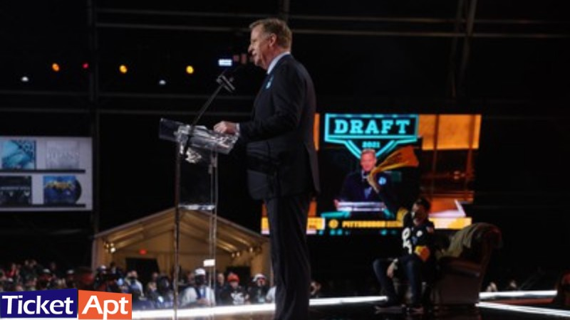 NFL creates inaugural for London firm's medical records software