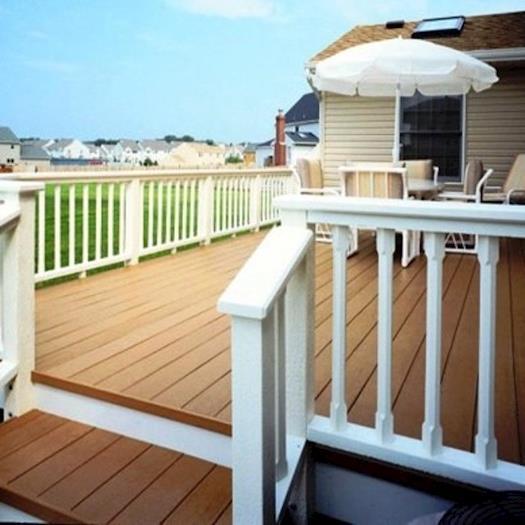 Plastic Lumber Deck & Rail.