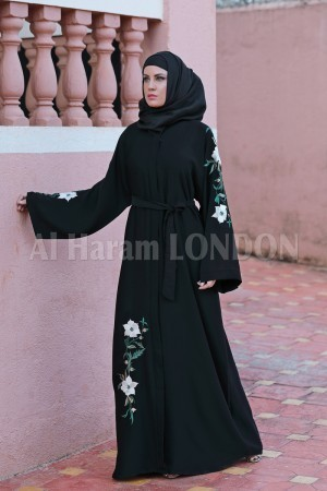 Best Combination of Tradition & Fashion - Abaya & Jilbaab