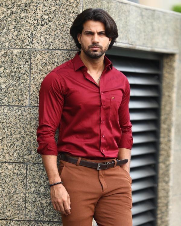 plain maroon shirt for men