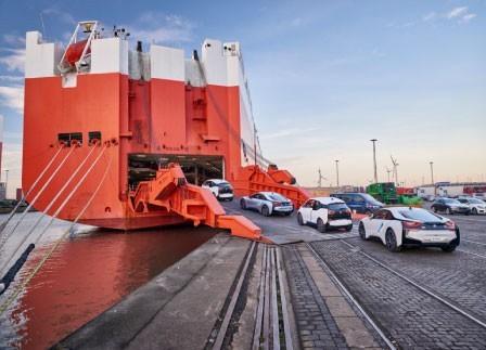 Shipping to Poland from Dubai