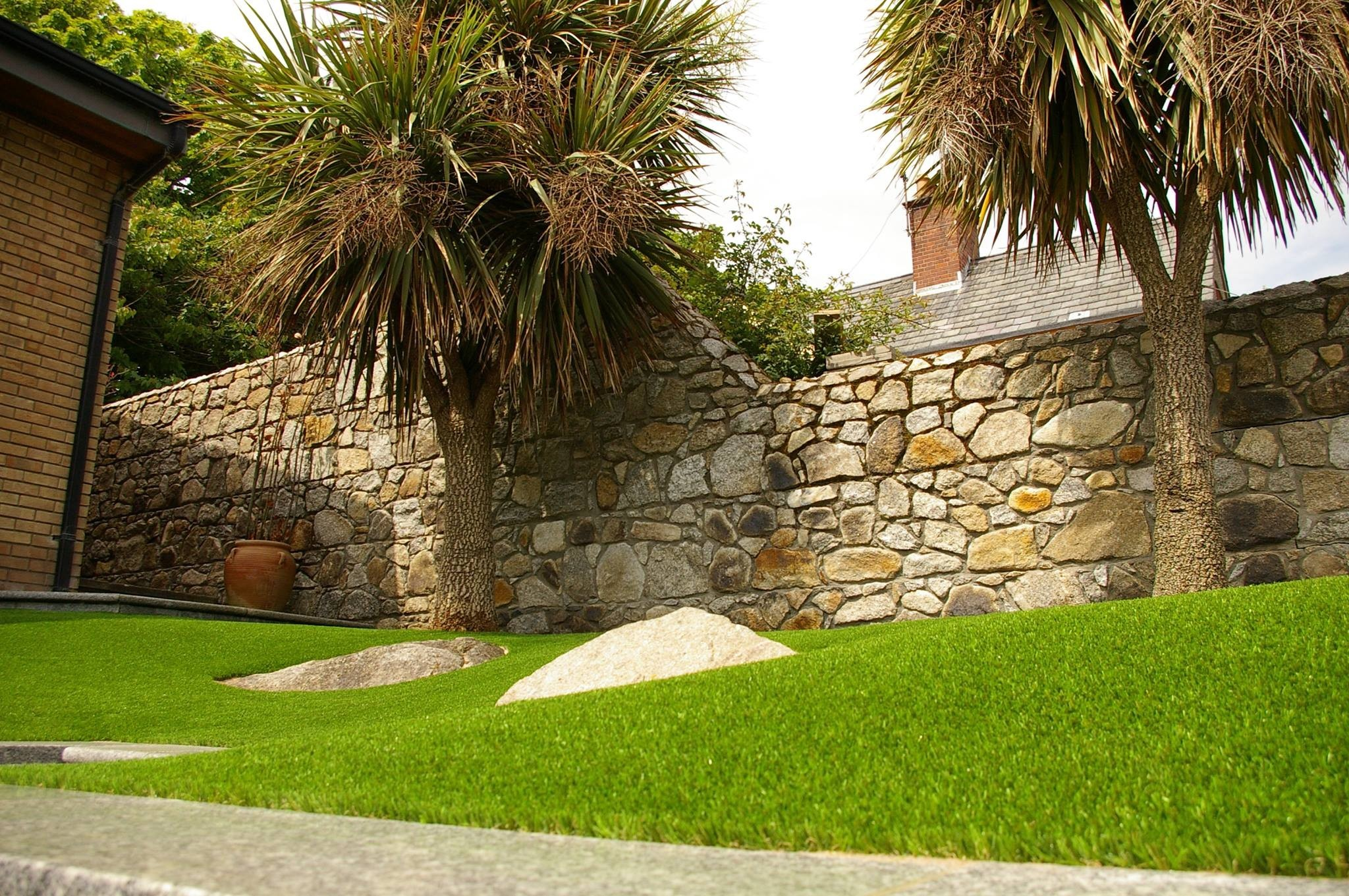Leading supplier of artificial and synthetic grass for home