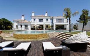 Affluence Holiday Apartment in Vale Do Lobo
