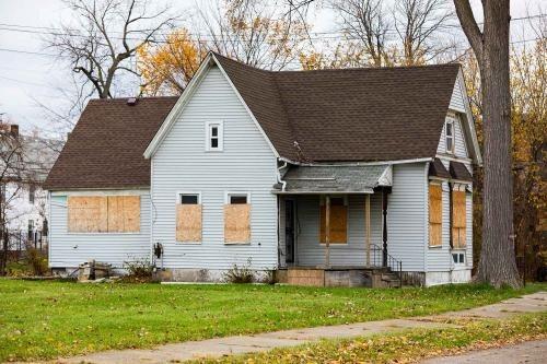 Tony Buys Homes