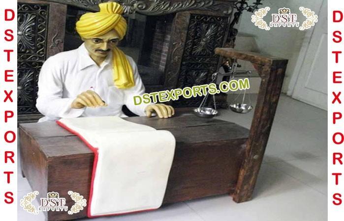 Indian Decor Muneem Fiber Statues Manufacturer