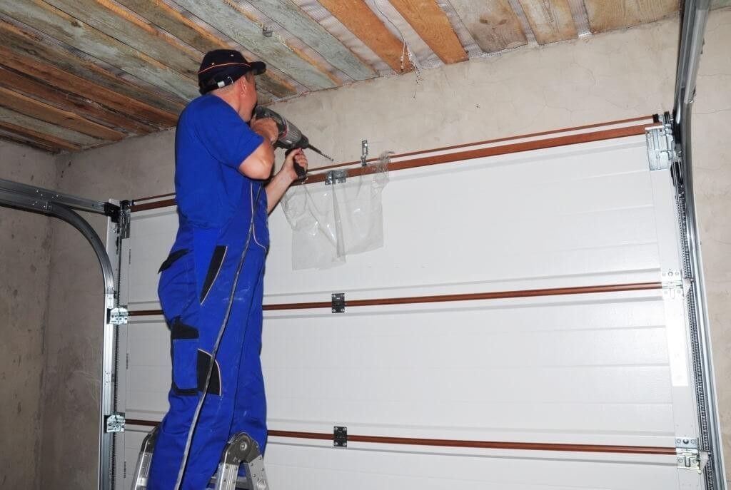 Professional Garage Door Repair Service Los Angeles