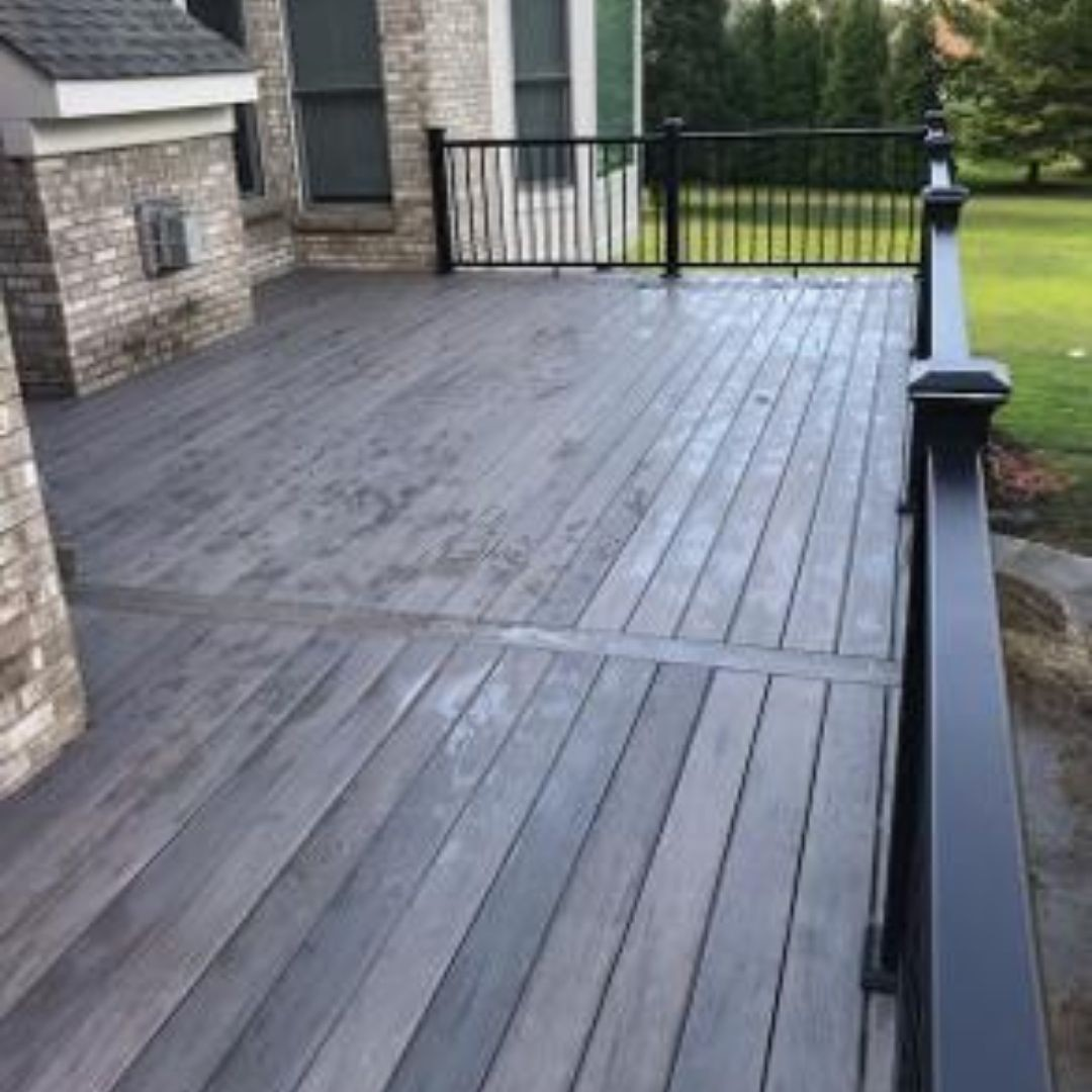 What Are The Benefits of Hiring Decking Contractor Near Me at Cincinnati?