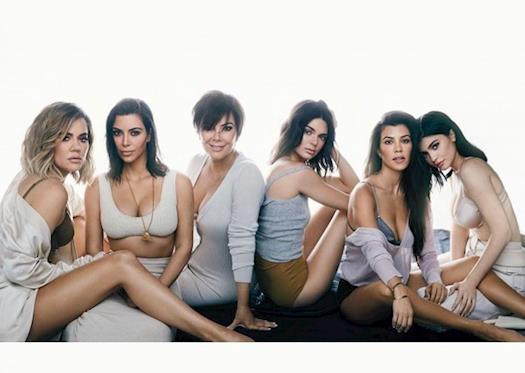 E! - Keeping Up with the Kardashians Season 15 Episode 1 - Photo Shoot Dispute