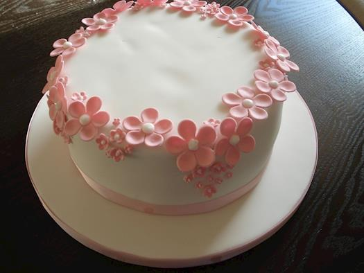 Order this toothsome cake with butter flavour online cake shops in Dahisar west Mumbai
