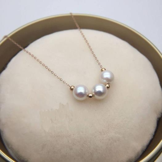 Starting your jewelry basics with luxury Akoya pearls necklaces