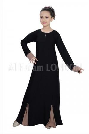 Girl Designer Nida Abaya