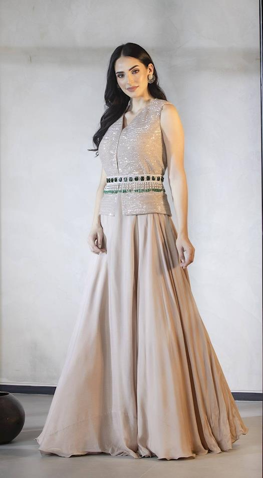 https://www.storeboard.com/basantikekapdeaurkoffee/images/saree-with-pre-stitched-pleats-and-pallo-w