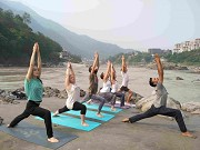 Reasons & benefits why you should take part in a yoga school course