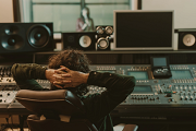 Just how Do Electronic Music Artists Generate Income